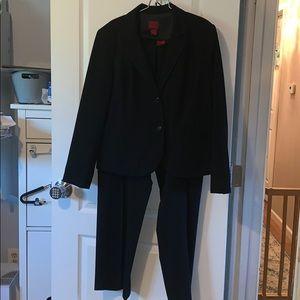 Two piece suit set black size 18